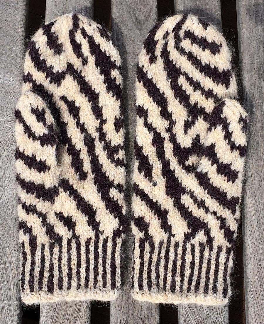 Free Zebra Hat Knitting Pattern : Free knitting pattern: Zebra Mittens Knitting With Rowan