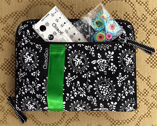 ChiaoGoo Spin Interchangeable Knitting Needles outside pocket